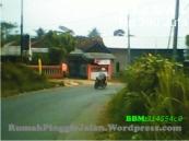rumahpinggirjalanTDKI004